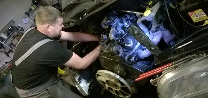 Budíček v 2:55, aneb musíme urychleně vyměnit motor